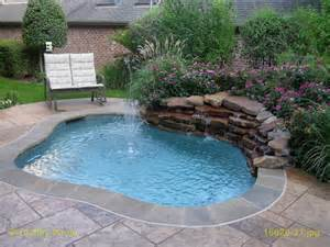 small kidney shaped pool kidney shaped pool home planning ideas 2018