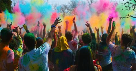 festival of colors books 10 great places to celebrate the hindu festival of holi