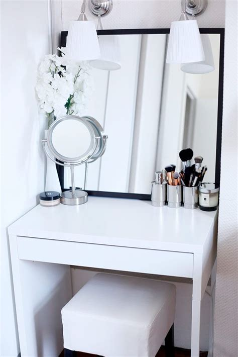 Vanity Table Designs by 25 Best Makeup Tables Ideas On Dressing