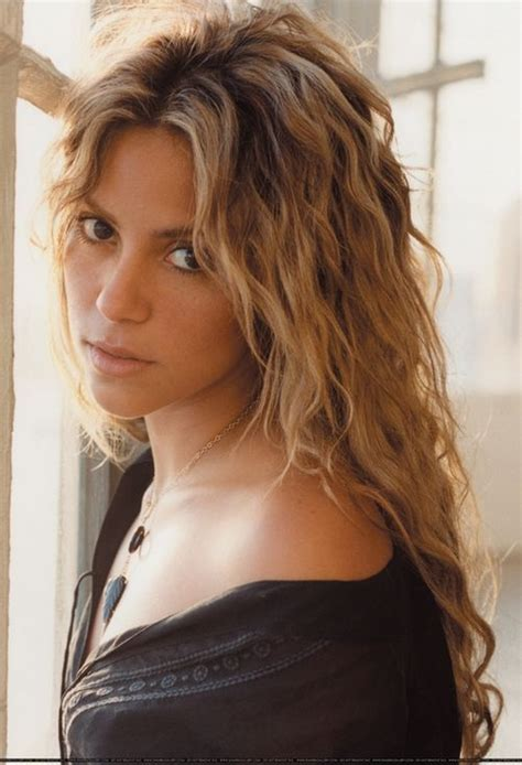 Shakira Cardy 204 best images about shakira on hair
