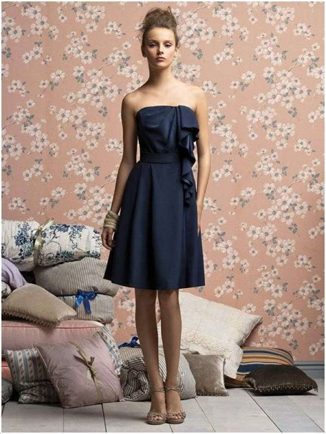 Tas Pesta Lace Navy Blue 10 stylish navy blue dresses for fashionistas