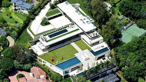 mortgage payment on a million dollar house jay z and beyonc 233 land a 52 8 million mortgage for bel air mansion la times