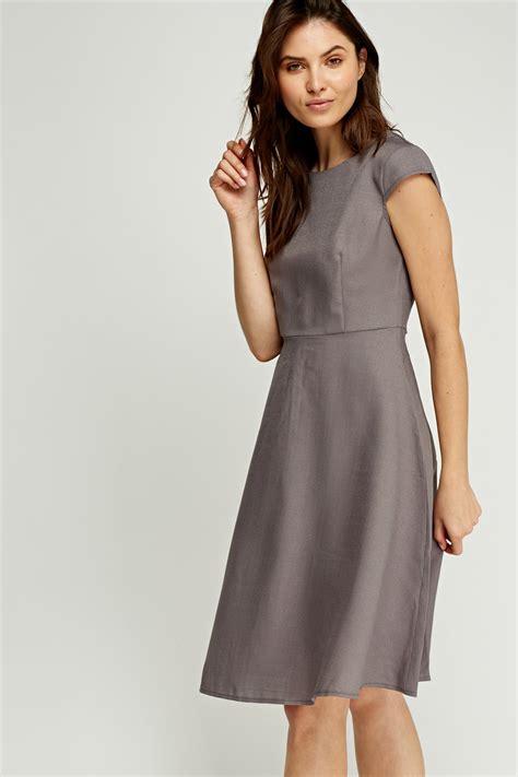 midi swing dress cap sleeve midi swing dress chocolate just 163 5