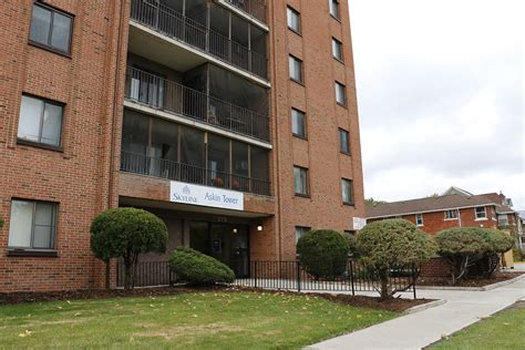 appartments in windsor askin tower apartment for rent in windsor