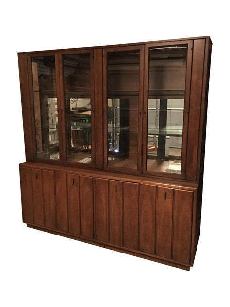 1960s China Cabinet 1960s Vintage Broyhill China Cabinet Chairish