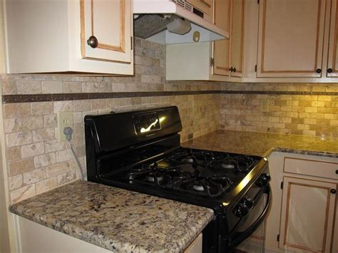 kitchen stone backsplash ideas 23 best tumbled backsplash images on pinterest