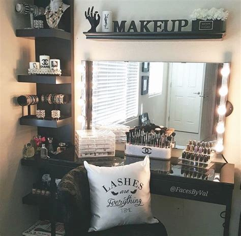 Makeup Room Decor Vanity That Is Awesome I Personally Wouldn T Spell Out Quot Makeup Quot But Maybe The