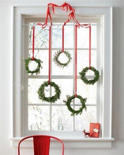 weihnachtsdeko fenster kranz 35 bastelideen f 252 r fenster weihnachtsdeko