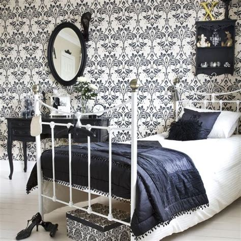 damask bedroom ideas bold bedroom guest bedrooms 10 ideas housetohome co uk