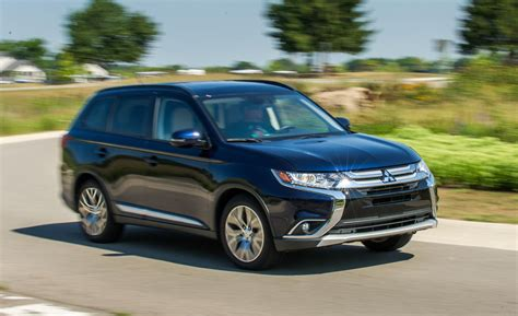 mitsubishi outlander 2016 review 2016 mitsubishi outlander 2 4l awd tested review car
