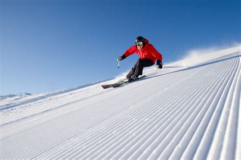 Skiing for a healthier and happier life   Healthy Life