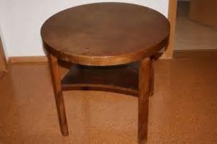 runder kleiner tisch kleiner alter runder holztisch tisch beistelltisch