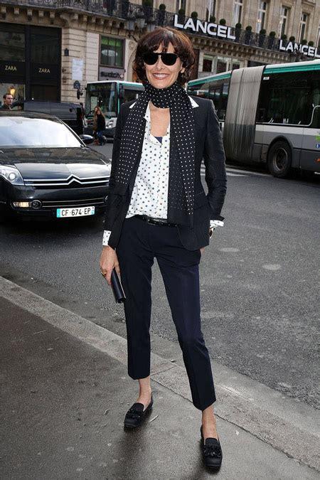 older women street style paris mature с чем носить женские лоферы на платформе и без фото