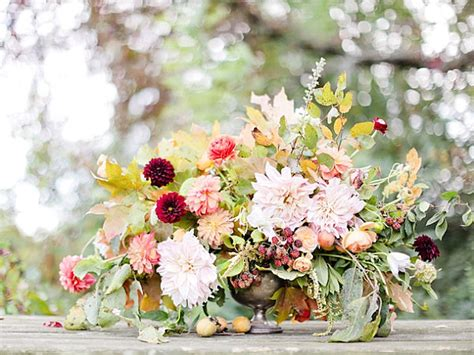festive thanksgiving flowers fall flower arrangements floral centerpieces party favors ideas