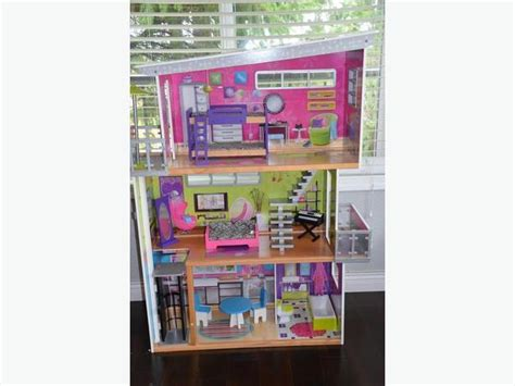 luxury doll house kidkraft luxury dollhouse with accessories saanich victoria