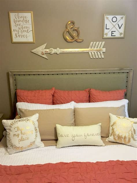 coral and navy living room 25 best ideas about gray coral bedroom on navy coral rooms navy coral bedroom and