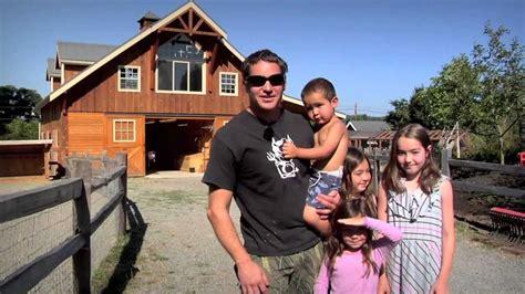Gambrel Roof barn pros denali 36 gable horse barn amp tradesman 36 shop