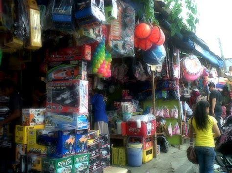 Karpet Murah Di Pasar Gembrong pasar gembrong surga mainan murah mommies daily