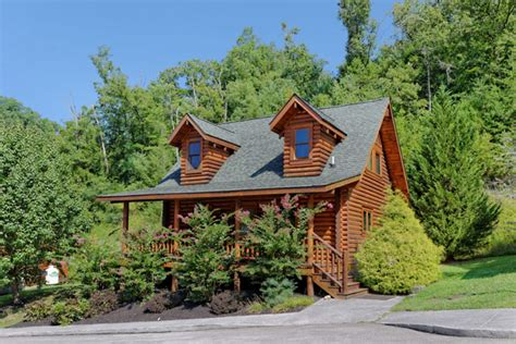 1 bedroom cabin pigeon forge pigeon forge one bedroom plus loft cabins chalets