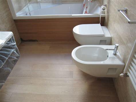 pavimento laminato in bagno parquet laminato bagno parquet tipologie di parquet