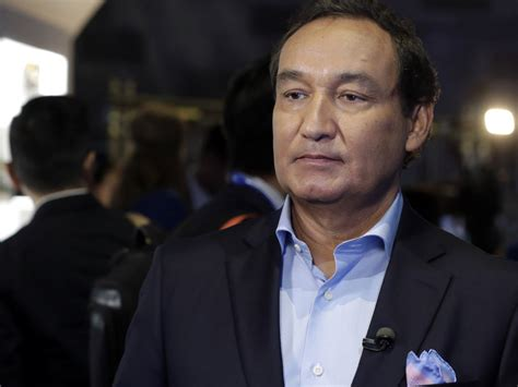 oscar munoz united ceo united scrambles to recover from ousted passenger fiasco