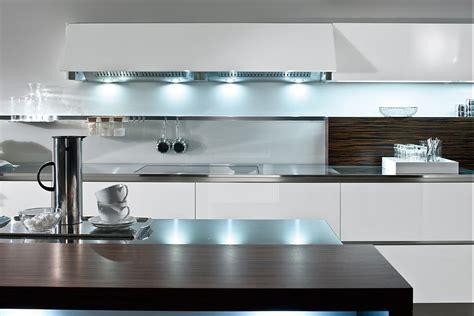 Neue Moderne Häuser by Wei 223 E K 252 Chenzeile Mit Sch 246 Nen Lichteffekten