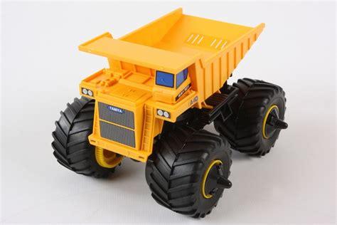 Tamiya 17013 Mini 4wd Mammoth Dump Truck 1 32 tamiya america item 17013 jr mammoth dump truck