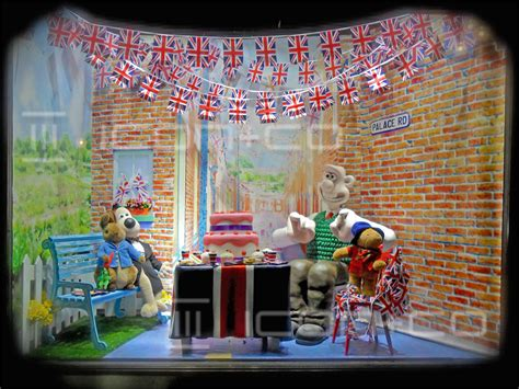 window displays icon co window displays gt prop makers gt shop fitting