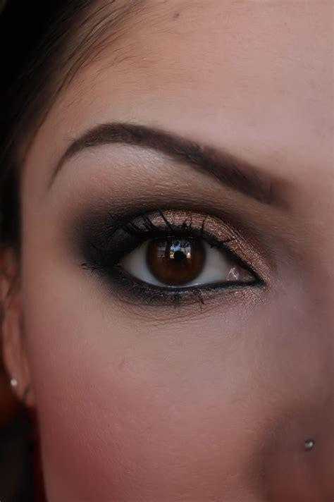 Eye Shadow Me make up artist me black and shimmery smokey eye