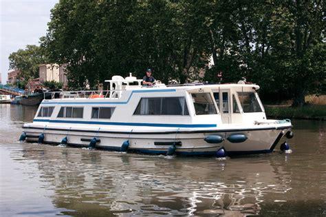 kosten ligplaats woonboot woonboot le boat tower schelde huren jacht charter