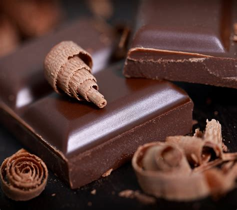 14 tasty facts of chocolate plus 7 health benefits of