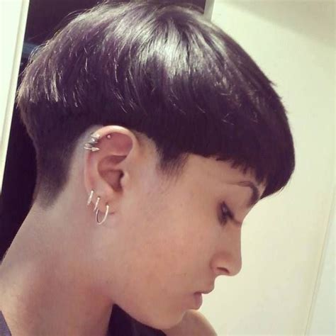 36 best bowl cut images on pinterest short wedge best 25 bowl haircuts ideas on pinterest bowl cut hair