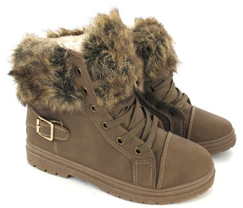 womans army combat low heel flat grip fur lined