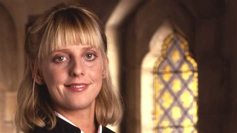 actress emma chambers vicar of dibley actress emma chambers died of a heart
