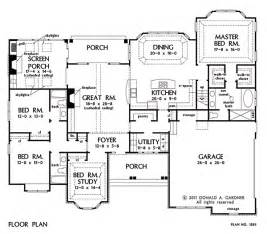 open floor plans with large kitchens