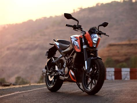 Ktm Duke 200 White And Black Youth Mechanics Ktm 200 Duke Price And Review