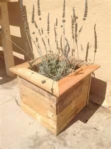 pallet planter boxes recycled diy pallet planter box pallet furniture diy