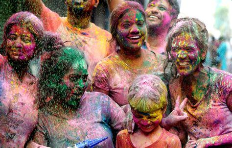 festival of colors india celebrating holi festival of colors in india