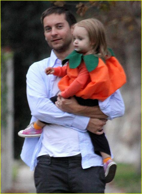 Meet Ruby Maguire by Tobey Maguire Has Two Sweethearts Photo 1521431