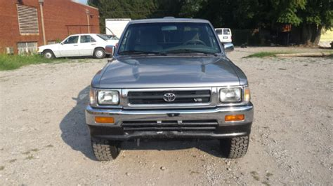 94 Toyota Tacoma 1994 Toyota Sr5 4wd Tacoma Hilux With Matching Cer Topper