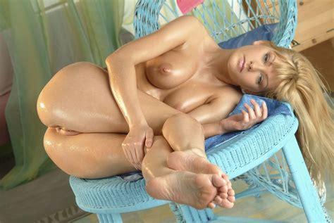 Beautiful Blonde Porn Photo EPORNER