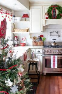 kitchen decorating ideas with red accents 25 b 228 sta christmas kitchen id 233 erna p 229 pinterest