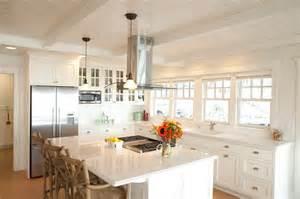 Beach cottage beach style kitchen
