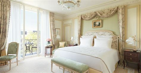 Romantic Home Decorating Ideas by Chambre Deluxe H 244 Tel Ritz Paris 5 233 Toiles