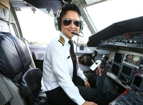 commercial woman pilot airways aviation s female pilot training scholarship takes