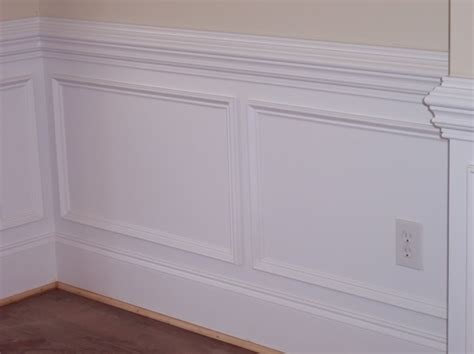 chair rail molding in bathroom   Chair Rail Molding Style