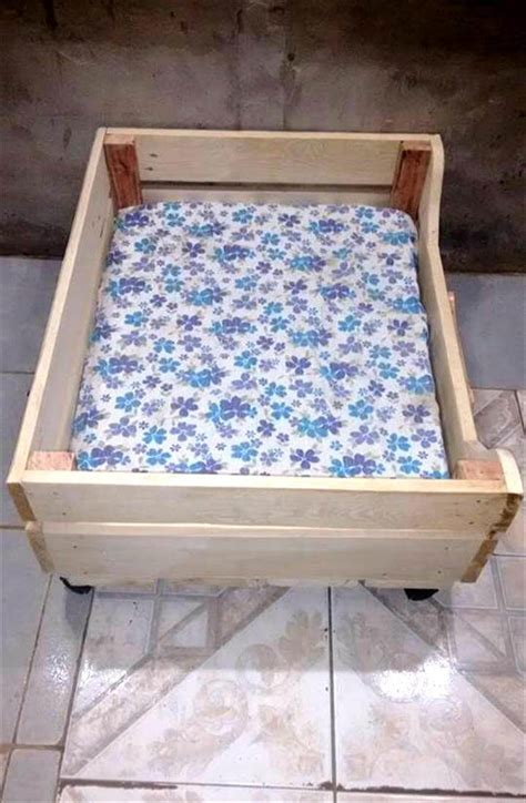 pallet dog bed upcycled wood pallet dog bed 99 pallets