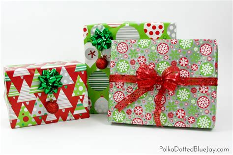 how to wrap beautiful christmas presents polka dotted