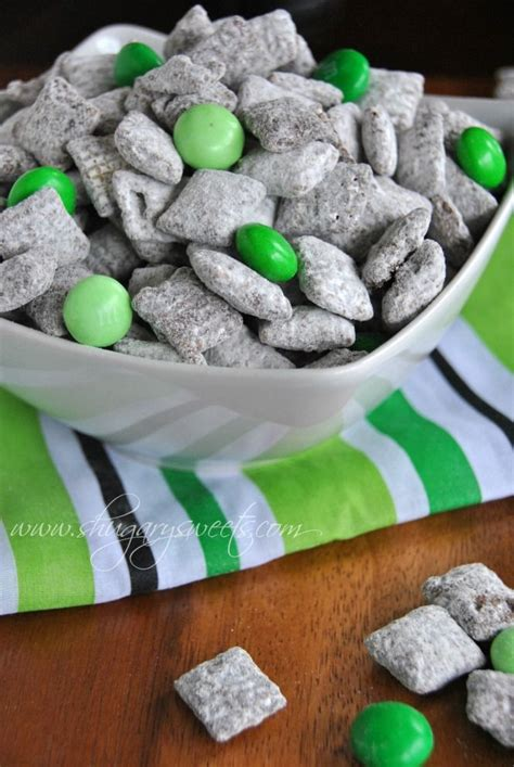 puppy chow cookies 181 best images about black green bling itworks on