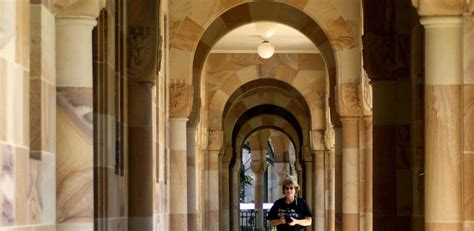 uq book a room the great court at the of queensland st lucia part 1 city of images